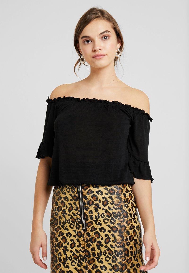 Gina Tricot - EMBLA OFF SHOULDER - Camiseta estampada - black