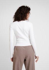 Gina Tricot - VERA - Bluzka z długim rękawem - off white - 2