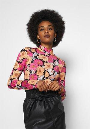 DORSIA - Langærmede T-shirts - pink/multicoloured