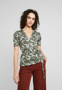 Gina Tricot - WRAP TOP - T-shirt med print - greengarden - 0