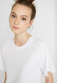 Gina Tricot - OLIVIA TEE - T-shirts - white - 4