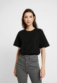 Gina Tricot - OLIVIA TEE - T-shirts - black - 0