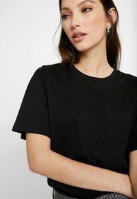 Gina Tricot - OLIVIA TEE - T-shirts - black - 5
