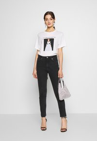 Gina Tricot - ELLEN TEE  - Print T-shirt - offwhite - 1