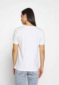 Gina Tricot - EDITH TEE - T-shirt z nadrukiem - offwhite - 2