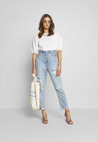 Gina Tricot - LISA TOP - T-Shirt basic - white - 1