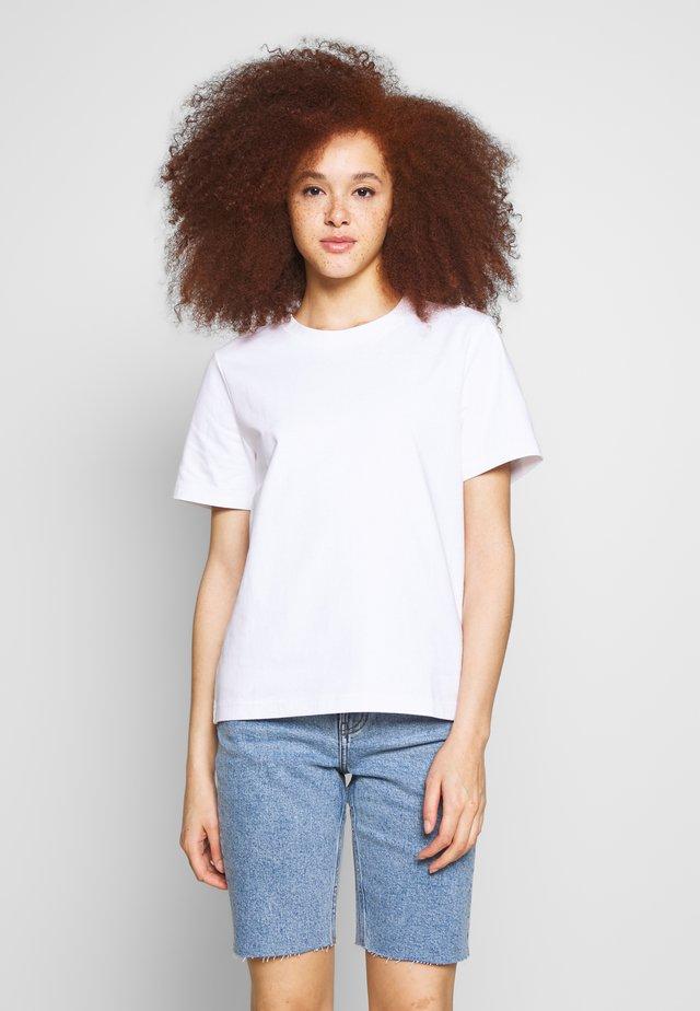 MY TEE - Jednoduché triko - white