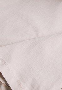 Gina Tricot - ZACHA CROPPED TEE - T-shirt basic - rose dust - 2