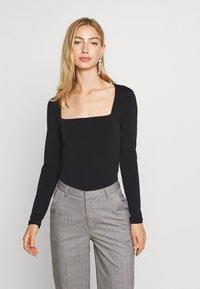 Gina Tricot - LEA SQUARE NECK - Langærmede T-shirts - black - 0
