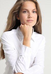 Gina Tricot - JESSIE - Skjorta - white - 3