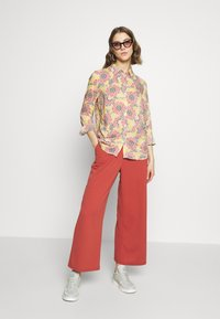 Gina Tricot - VILMA  - Button-down blouse - flower - 1