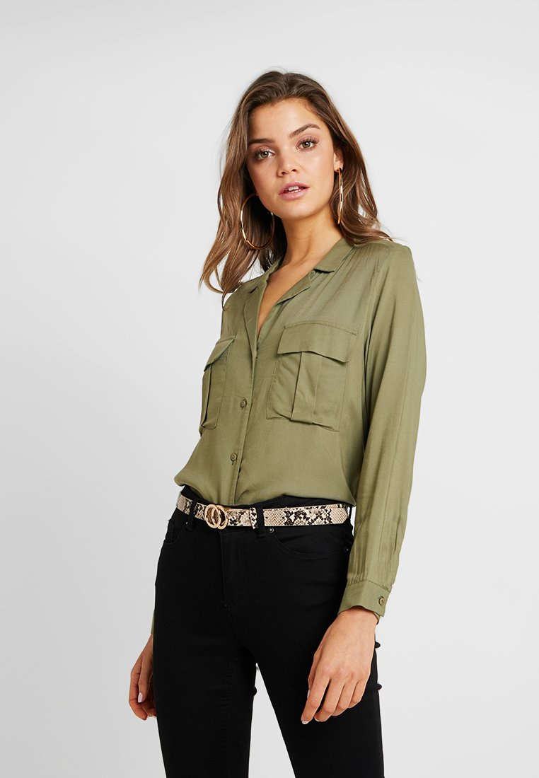 Gina Tricot - SAMMY UTILITY BLOUSE - Button-down blouse - khaki green