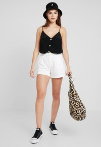 Gina Tricot - MINDY BUTTON DOWN SINGLET - Linne - black - 1