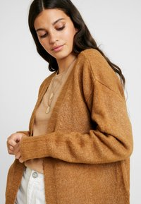 Gina Tricot - EXCLSUIVE ELLIE CARDIGAN - Cardigan - toasted coconut - 4