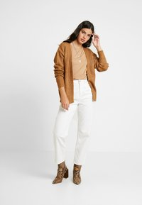 Gina Tricot - EXCLSUIVE ELLIE CARDIGAN - Cardigan - toasted coconut - 1