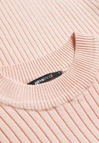 Gina Tricot - KAJSA - Basic T-shirt - peachy keen - 2