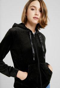 Gina Tricot - CECILIA HOODIE - Zip-up hoodie - black - 4