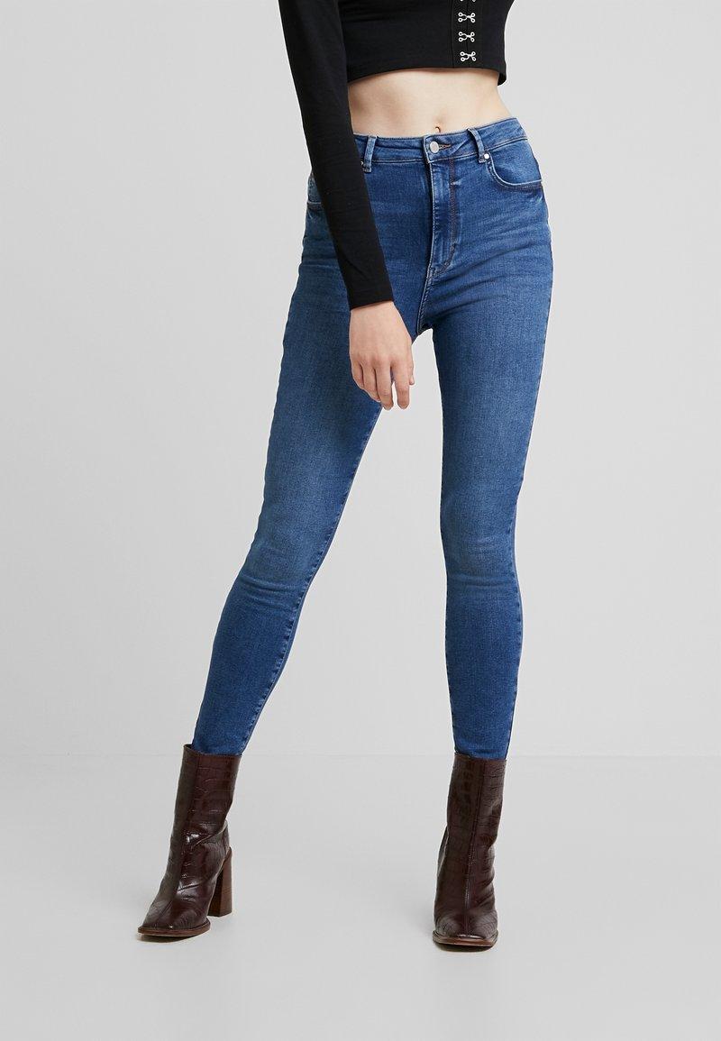 Gina Tricot - CURVE - Jeans Skinny Fit - dark blue destroy