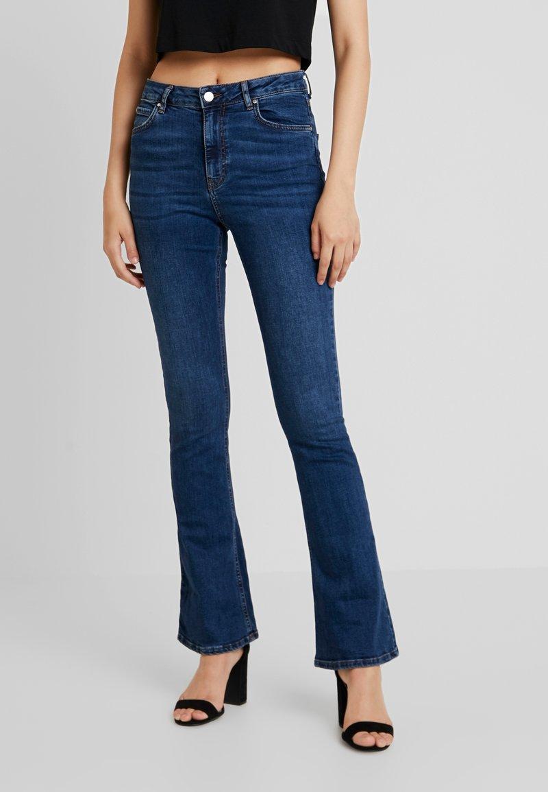 Gina Tricot - Flared jeans - dark blue