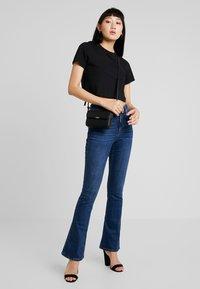 Gina Tricot - NATASHA - Jeansy Bootcut - dark blue - 1