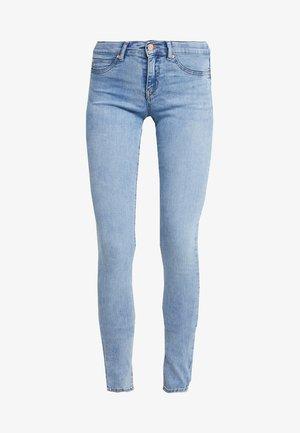 LOW WAIST SUPERSTRETCH - Skinny džíny - light blue