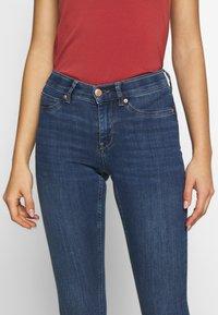Gina Tricot - BONNIE - Jeans Skinny Fit - dark blue denim - 4