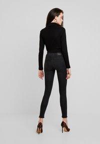 Gina Tricot - BONNIE - Jeans Skinny Fit - black/grey - 2