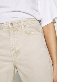 Gina Tricot - DAGNY MOM - Jeans slim fit - vintage beige - 4