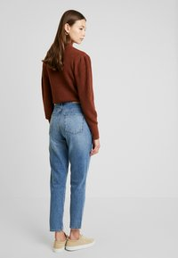 Gina Tricot - DAGNY MOM - Jeans slim fit - mid blue - 2