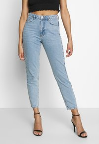Gina Tricot - DAGNY HIGHWAIST - Jeans Tapered Fit - light blue - 0