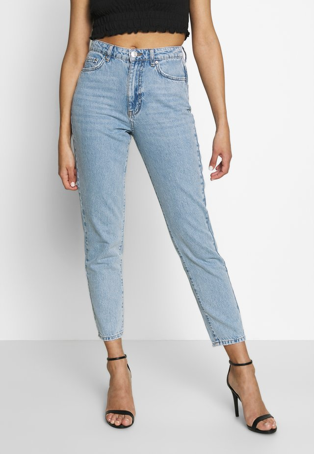 DAGNY HIGHWAIST - Tapered-Farkut - light blue