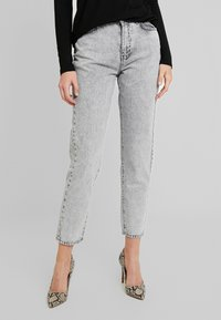 Gina Tricot - DAGNY HIGHWAIST - Jeans Tapered Fit - grey snow - 0