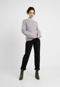 Gina Tricot - THE 90'S HIWAIST - Džíny Relaxed Fit - black - 1