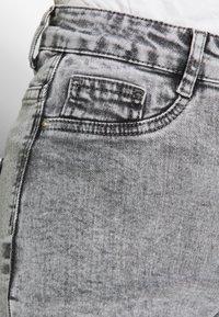 Gina Tricot - MOLLY HIGHWAIST - Jeans Skinny - grey snow - 5