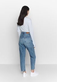 Gina Tricot - RELAXED - Jeans Relaxed Fit - mid blue - 2