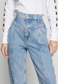 Gina Tricot - MERVE SLOUCHY  - Jeansy Relaxed Fit - blue snow - 4