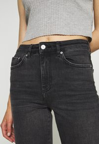 Gina Tricot - YLVA KICKFLARE  - Flared Jeans - offblack - 6