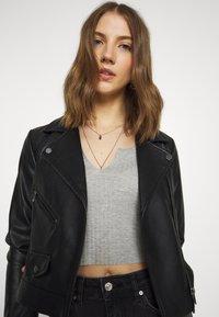 Gina Tricot - YLVA KICKFLARE  - Flared Jeans - offblack - 4