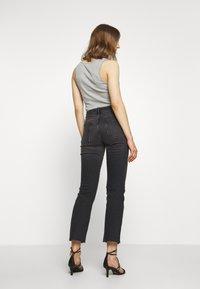 Gina Tricot - YLVA KICKFLARE  - Flared Jeans - offblack - 2