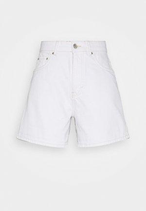 DAGNY MOM SHORTS - Short - white