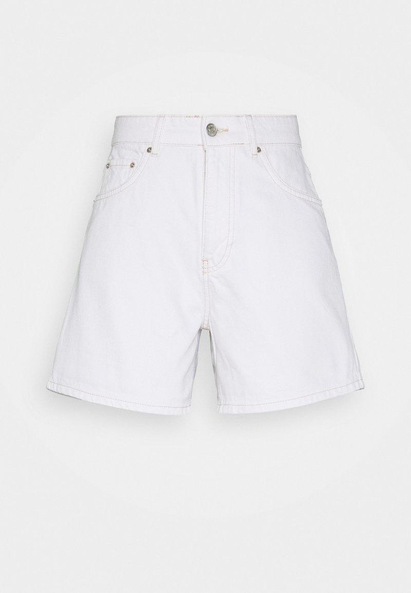 Gina Tricot - DAGNY MOM SHORTS - Shorts - white