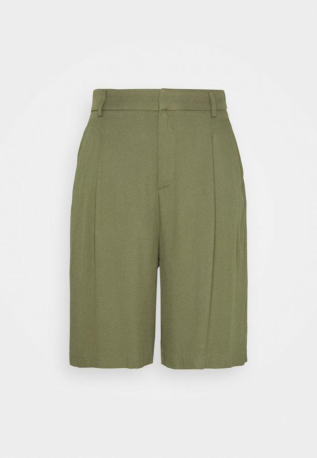 CARRO BERMUDA - Shorts - khaki