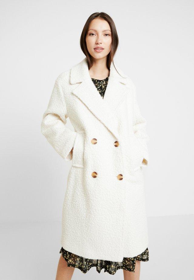 Mantel - warm white