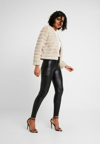 Gina Tricot - ELLA - Giacca invernale - simply taupe - 1
