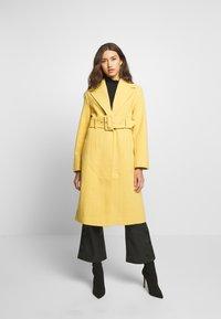 Gina Tricot - AVA BELTED COAT - Classic coat - rattan - 0