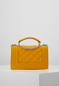 Gina Tricot - MIA BAG - Handtasche - mustard - 2