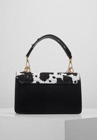 Gina Tricot - JONNA BAG - Handtasche - black/white - 2