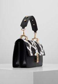Gina Tricot - JONNA BAG - Handtasche - black/white - 3