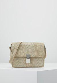 Gina Tricot - NOELLE BAG - Handtas - beige - 0