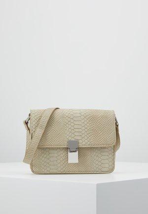 NOELLE BAG - Håndtasker - beige